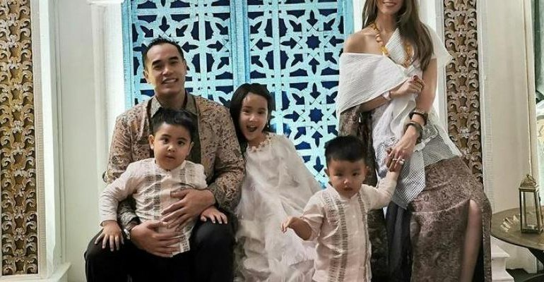 Ide Baju Lebaran Nia Ramadhani J7do Berita Lampu Hijau Berita Seleb Baju Lebaran Nia