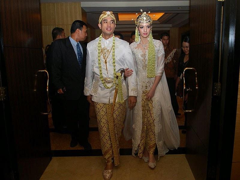 Ide Baju Lebaran Nia Ramadhani Whdr Kumpulan Foto Model Baju Kebaya Nia Ramadhani Trend Baju