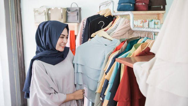 Ide Baju Lebaran Perempuan Zwdg Lebaran Di Rumah Aja Perlu Nggak Sih Beli Baju Baru Ini