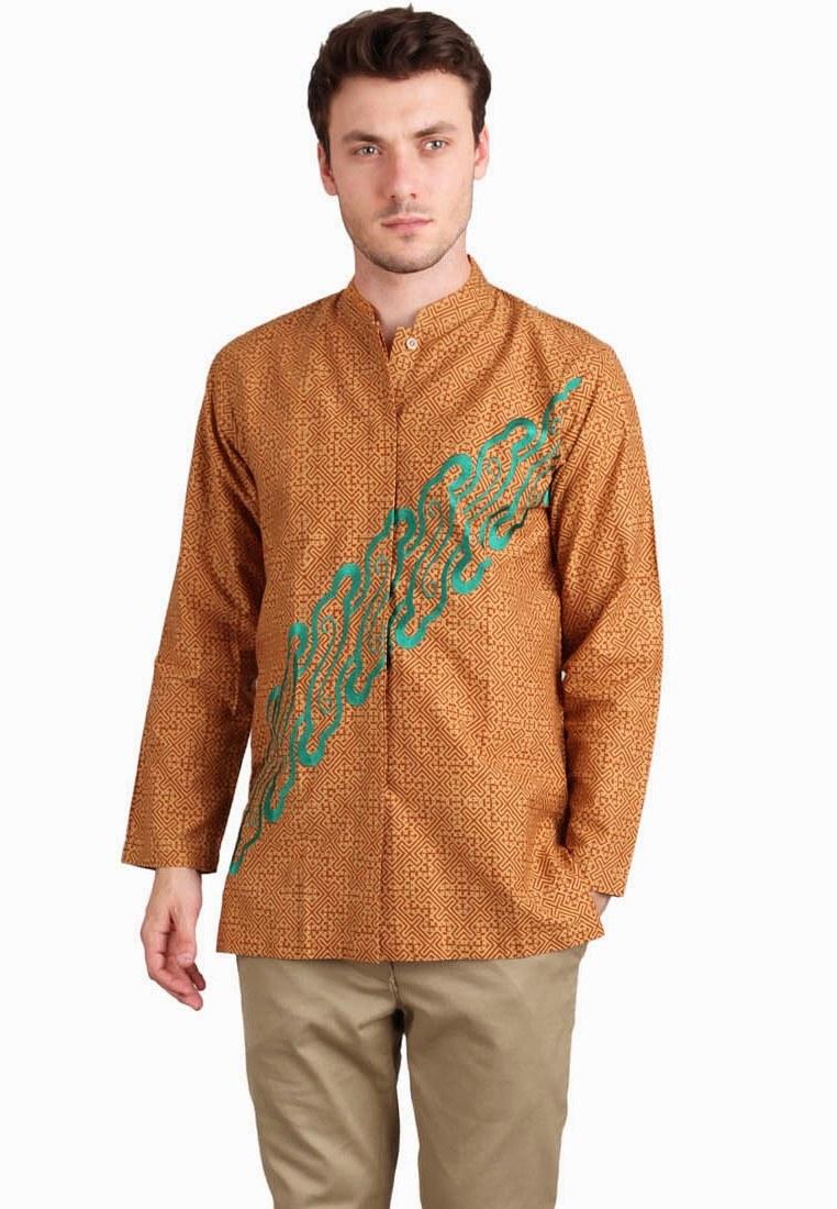 Ide Baju Lebaran Pria Terbaru 9fdy Model Baju Muslim Batik Terbaru Untuk Pria