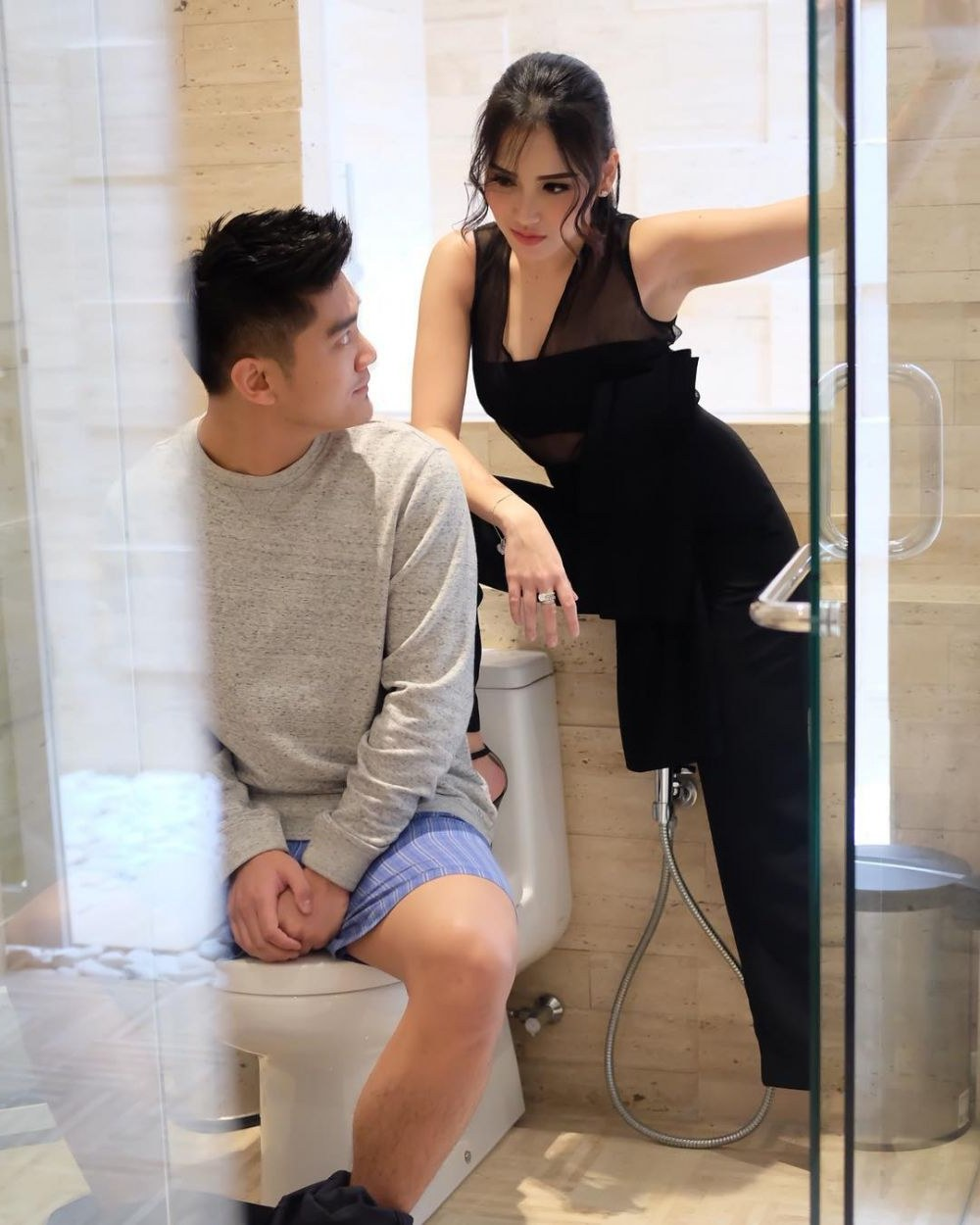 Inspirasi Baju Lebaran Ayu Ting Ting 2018 0gdr Ayu Ting Ting Satu toilet Sama Boy William Tatapan