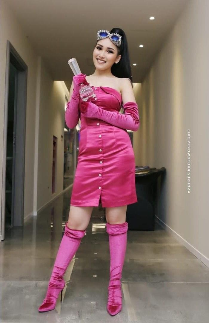 Inspirasi Baju Lebaran Ayu Ting Ting 2018 Jxdu Kenakan Baju Serba Pink Ayu Ting Ting Disebut Mirip