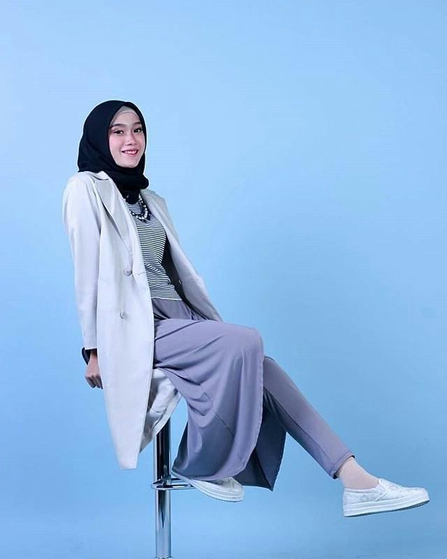 Inspirasi Baju Lebaran Ibu 2018 S5d8 20 Trend Model Baju Muslim Lebaran 2018 Casual Simple Dan