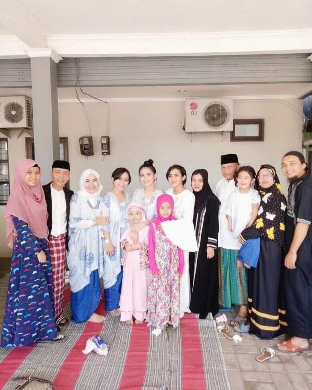 Inspirasi Baju Lebaran Keluarga Anang ashanty Budm Foto Meriahnya Suasana Lebaran Keluarga Anang ashanty
