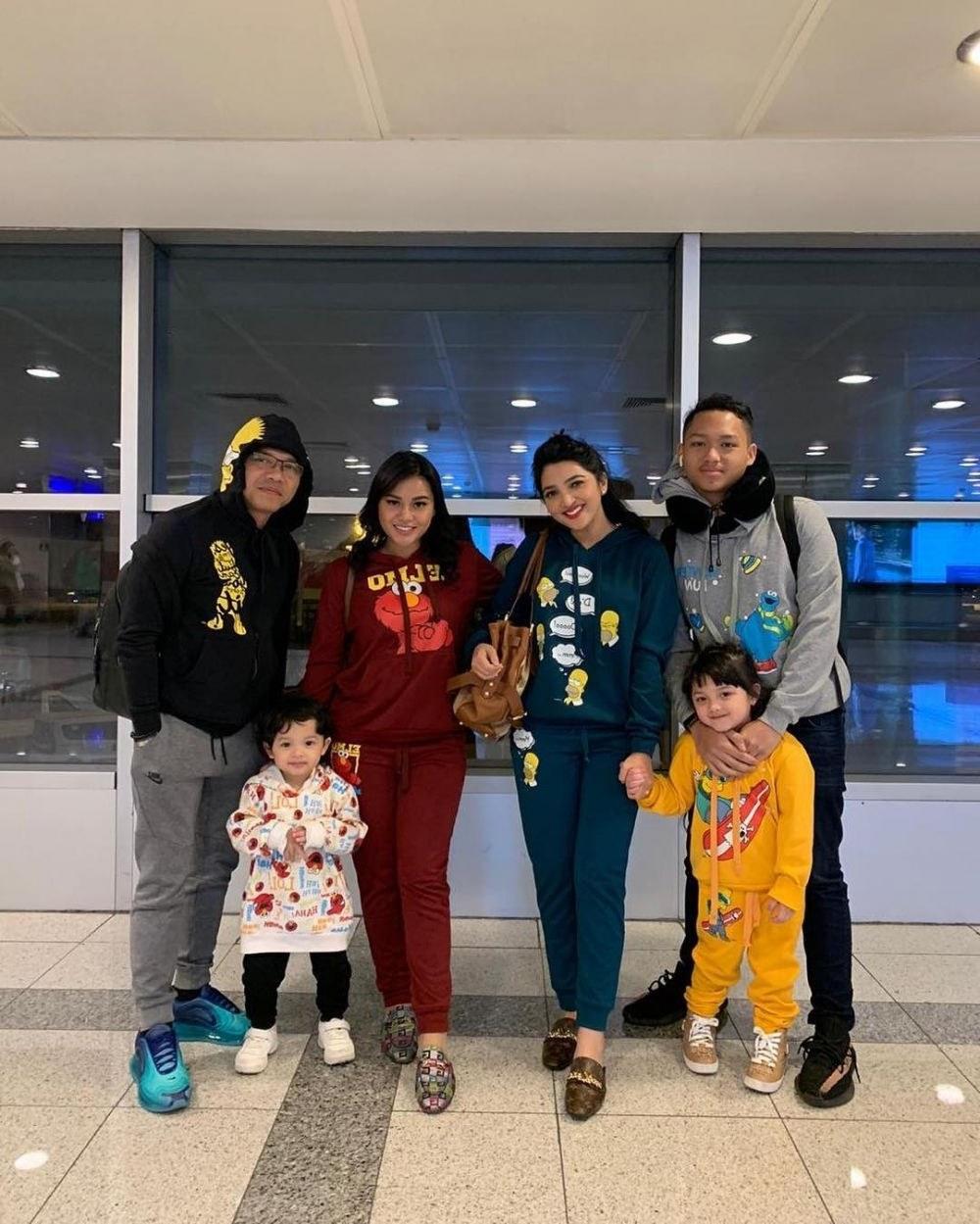 Inspirasi Baju Lebaran Keluarga Anang ashanty Whdr Intip 10 Gaya Fashion Keluarga Anang ashanty Selalu Hits