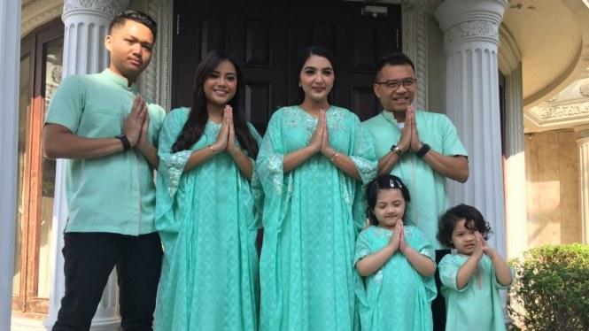 Inspirasi Baju Lebaran Keluarga Anang ashanty Zwdg Alasan Keluarga Anang ashanty Pakai Baju Lebaran Warna Hijau
