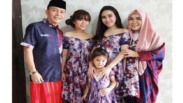 Inspirasi Model Baju Lebaran Ayu Ting Ting J7do Jual Baju Seragam Keluarga Untuk Lebaran Nusagates