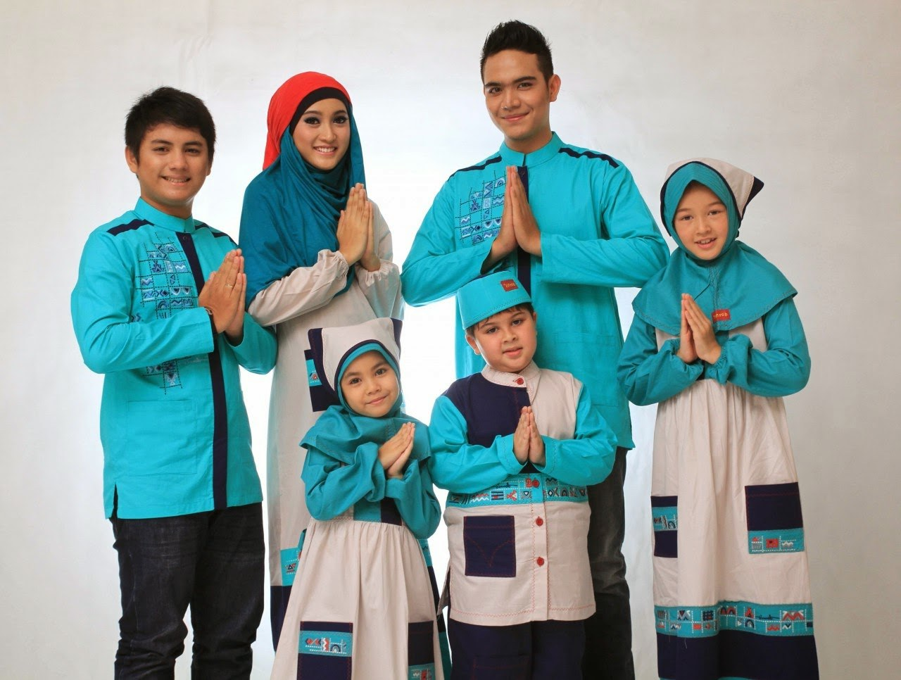 Inspirasi Model Baju Lebaran Keluarga S5d8 Kumpulan Foto Model Baju Kebaya Lebaran Trend Baju Kebaya