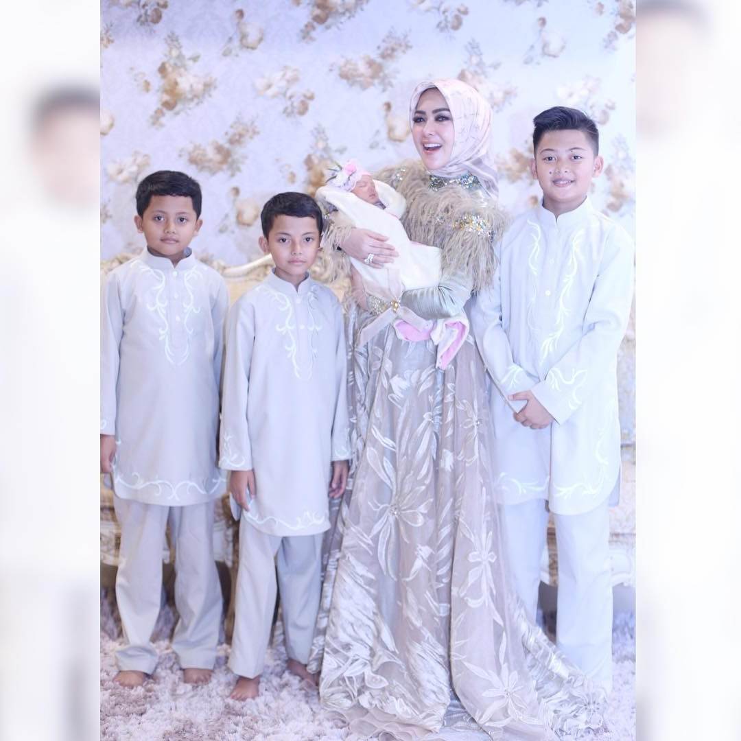 Model Baju Lebaran Ala Syahrini Gdd0 50 Model Baju Muslim Ala Syahrini Modis 2019 Model Baju