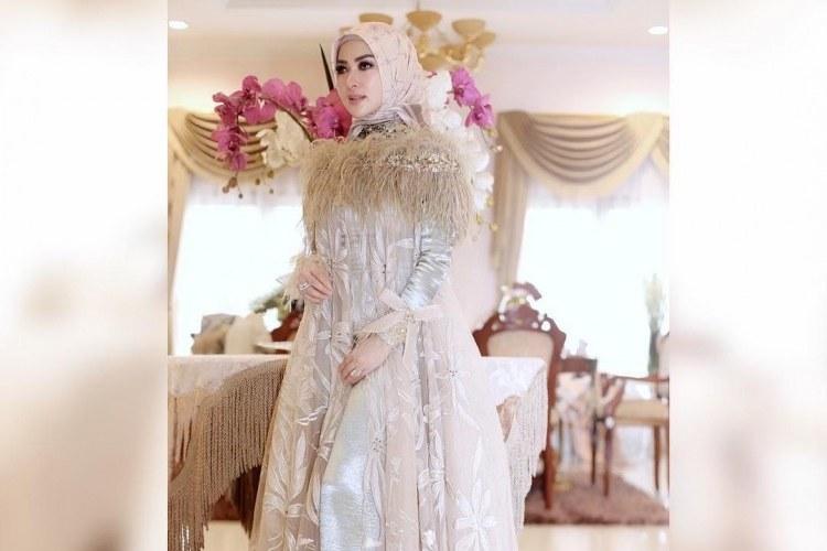 Model Baju Lebaran Ala Syahrini Jxdu Intip Tema Baju Lebaran Para Artis Di Hari Raya