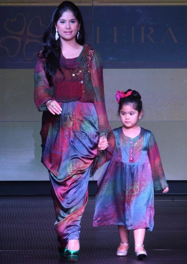 Model Baju Lebaran Ibu Dan Anak Perempuan Q5df 17 Model Baju songket 2018 Terbaru Gaya Casual Modern