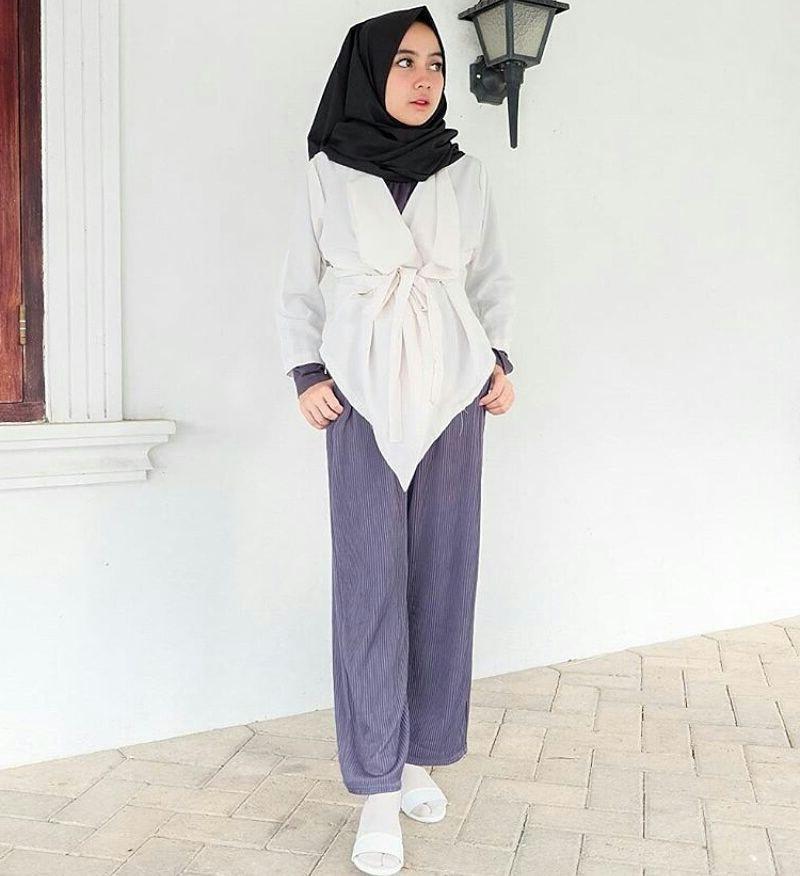 Model Fashion Muslimah Remaja Gdd0 18 Model Baju Muslim Remaja 2018 Terbaru Stylish Casual