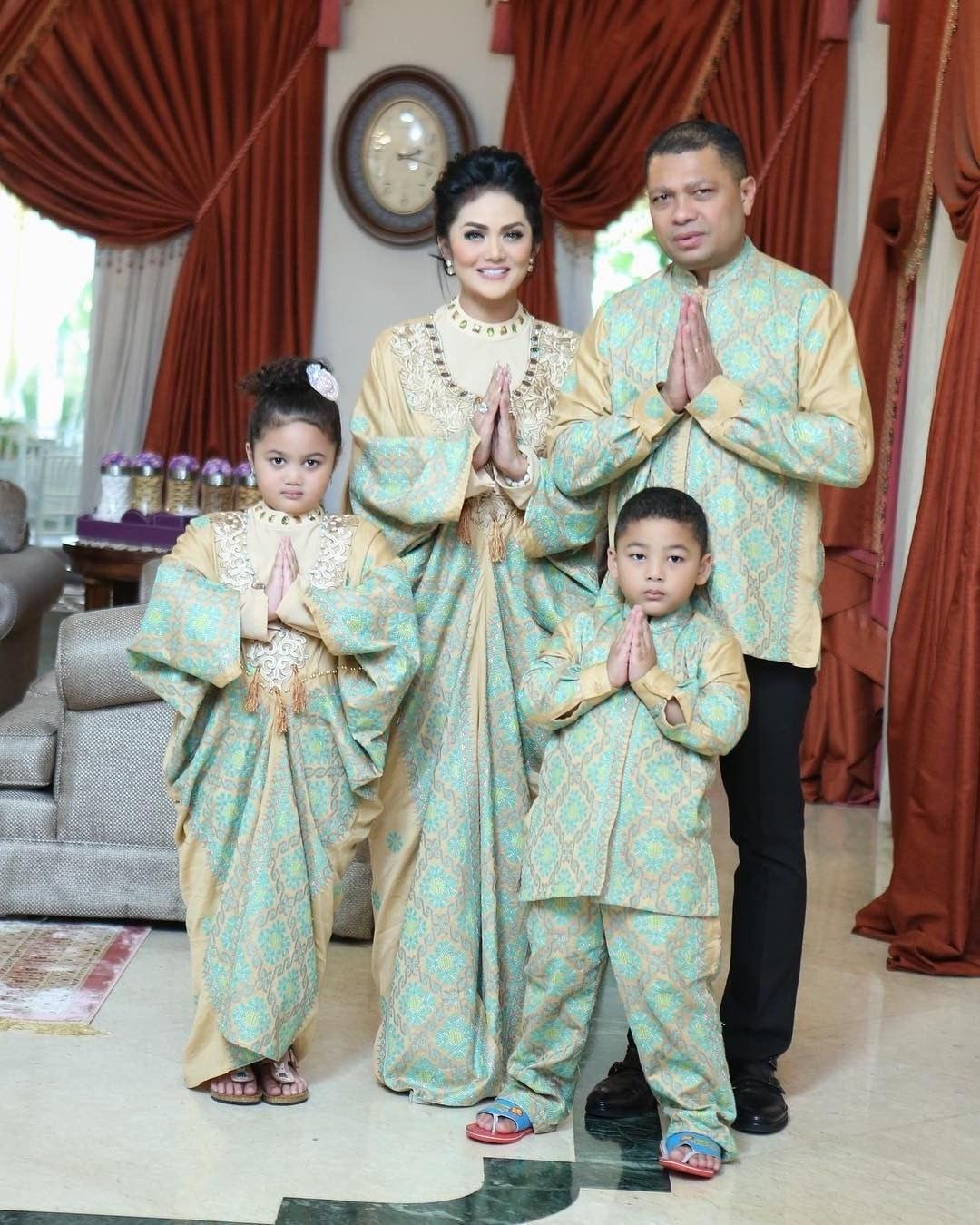 Model Inspirasi Baju Lebaran Keluarga E6d5 Baju Lebaran Untuk Keluarga Mainmata Studio